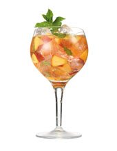 Sparkling-rose-and-peach-sangria